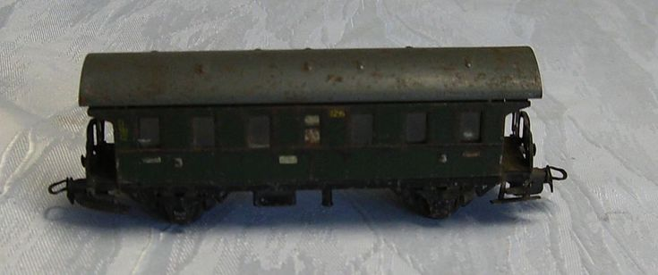Märklin H0 329/1 Personenwagen 3. Kl.  Blech sehr alt