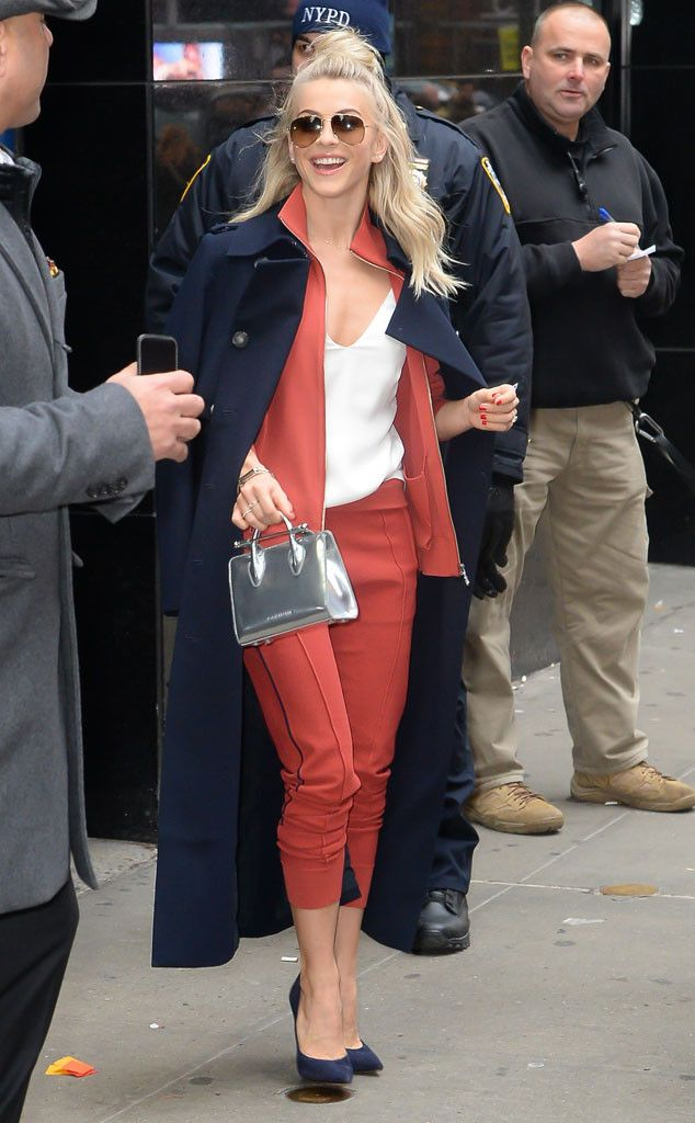 Julianne Hough from The Big Picture: Today's Hot Pics  The style star sports an chic look around town in NYC.