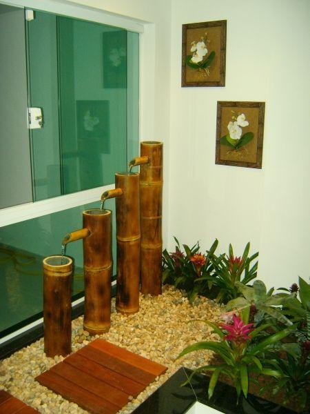 As fontes são ótimas para dar harmonia ao local, no feng Shui. Jardim Interno - MC3