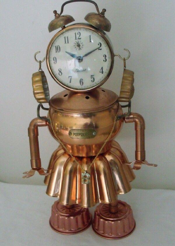 junkbotworld.com - aunt bea vintage clock and copper JELL-O mold ROBOT