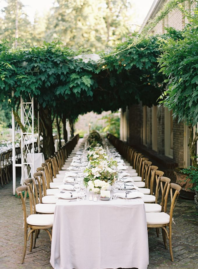 i love this venue! // lakewold gardens in tacoma wa // dinner under the wisteria