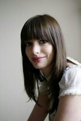 Anne Hathaway bangs