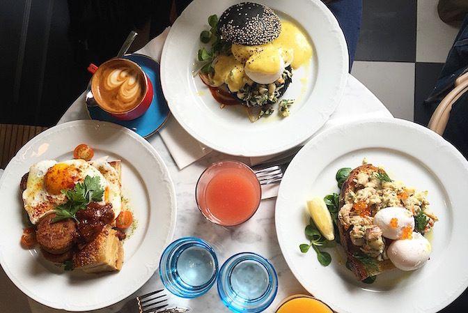 Restaurant Hardware Société, 10, rue Lamarck Paris 75018. Envie : Café / Coffee Shop. Les plus : Ouvert le dimanche, Ouvert le lundi, Antidépresseu...