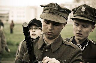 """""""Żołnierze Wyklęci""""-rekonstrukcja historyczna, Warszawa, 9.V.2010 http://smofoto.blogspot.com/"""