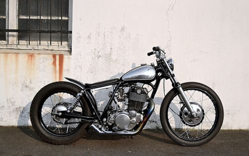 Yamaha SR500 Bobber by Purple Pantera #motorcycles #bobber #motos | caferacerpasion.com