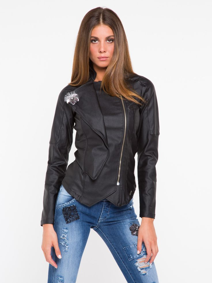 GIACCA VILLY/PE #metjeans #met #jeans #style #fashion #woman #apparel #accessories #fall #winter #collection #shopping #online #black #jacket