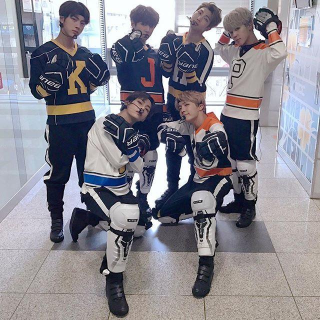 상남자  ㅋㅋㅋㅋ || 170101 - I'm not into hockey any more, like many Canadians are, but still.. Korean hockey players.. BTS no less..... I'm drooling...