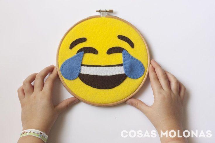 DIY Bastidor Del Emoji Risa (DIY Laughter Emoji Hoop)   Cosas Molonas (with template) (in Spanish)