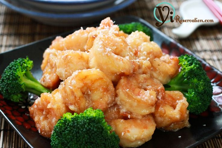 Chinese Buffet Style Coconut Shrimp   •1 lb Medium shrimp  •1 small Broccoli  •1 cup Coconut cream  •2 tbsp Sugar  •2 tbsp Mayonnaise  •Shredded coconut  •½ cup of bread crumb and 1 tbsp of corn starch, combined    ~For Shrimp marinade:  •½ tsp Salt  •1 tsp Cooking wine  •½ tbsp ground pepper
