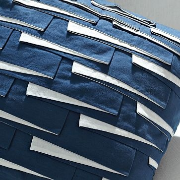 Two-tone pleat construction - fabric manipulation; surface pattern inspiration #textiles
