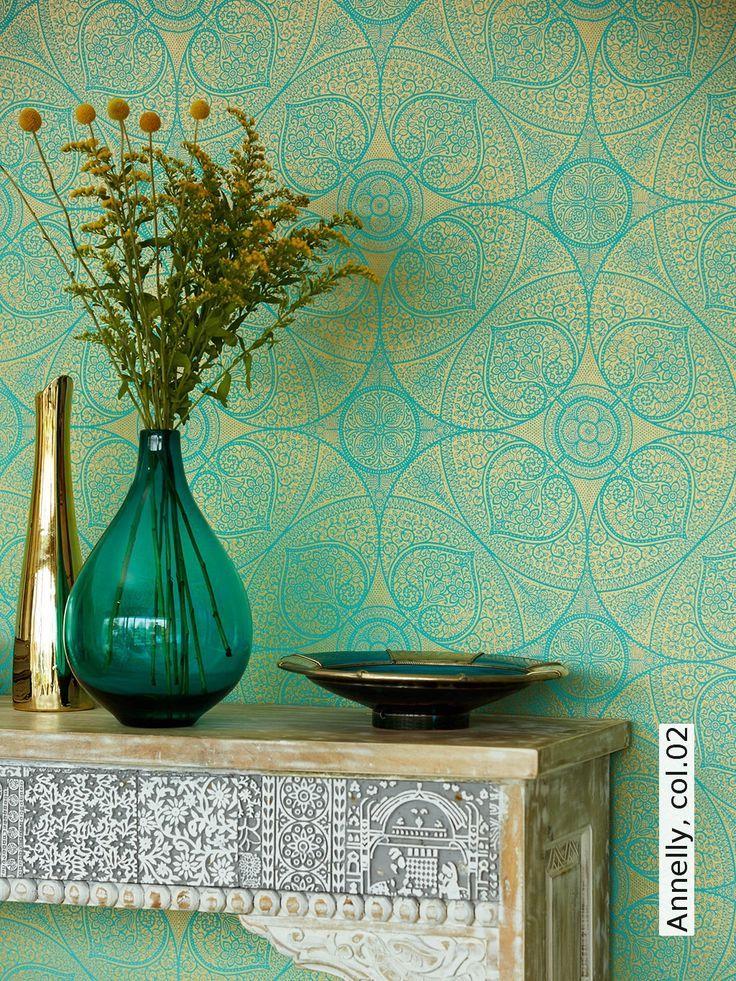 wohninspiration in gr n orientalische tapete in k hlem gr n mit goldornamenten bild vom. Black Bedroom Furniture Sets. Home Design Ideas