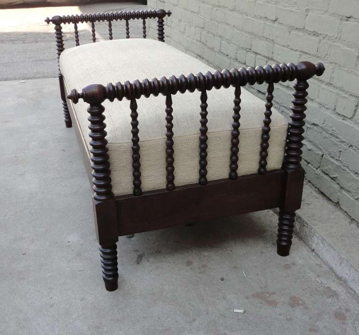 Ginny Lind Spindle Day Bed w/ Homespun Linen Cushion - 286 Best Chairs Images On Pinterest Antique, Armchairs And Auction