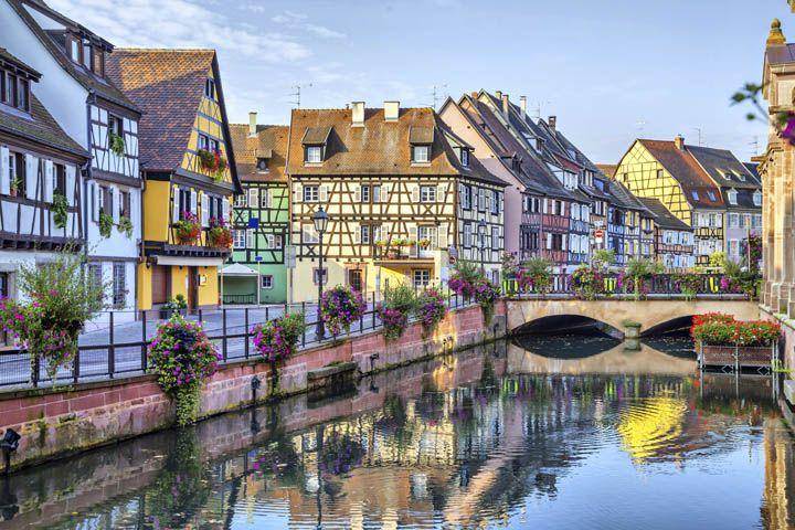 Las 10 mejores rutas en coche para conocer Francia. Pueblo de colmar en Francia