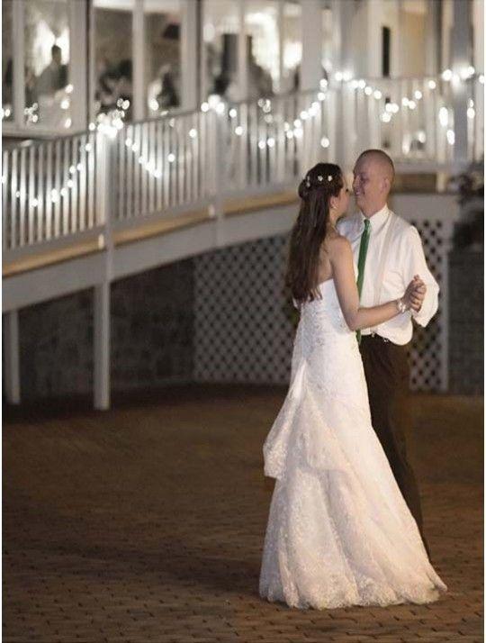 Luci decorative love. 100 lucine bianche.  Lunghezza filo 10 metri.  Per allestire la location del vostro evento e sorprendere tutti gli ospiti. In #promozione #matrimonio #weddingday #wedding #ricevimento #insegne #decorazioni #luci #banner #illuminatedsigns #decorations #lights #lucidecorative