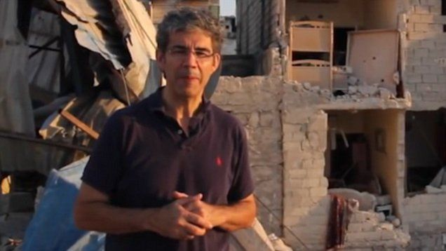 In Sept 2014 British trauma surgeon David Nott returned to Syria to volunteer with Syria Relief for 6 weeks at our supported field hospitals.