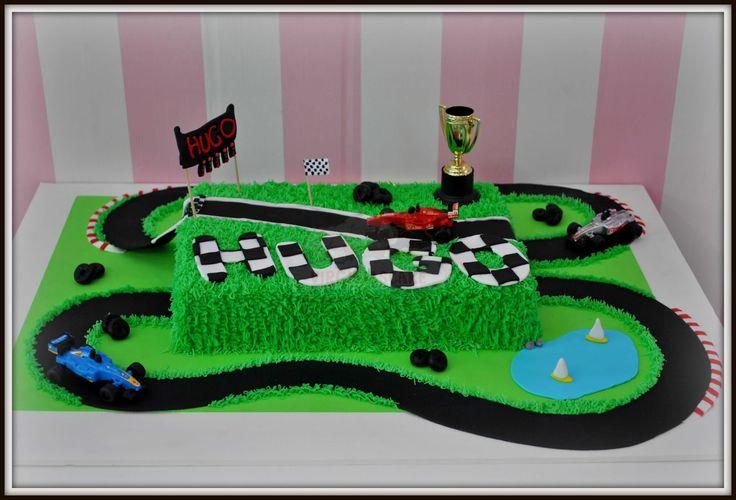 Virginias Cake: Tarta Pista F1 Hugo http://www.virginiascake.com/portfolio-items/tarta-pista-f1-hugo/