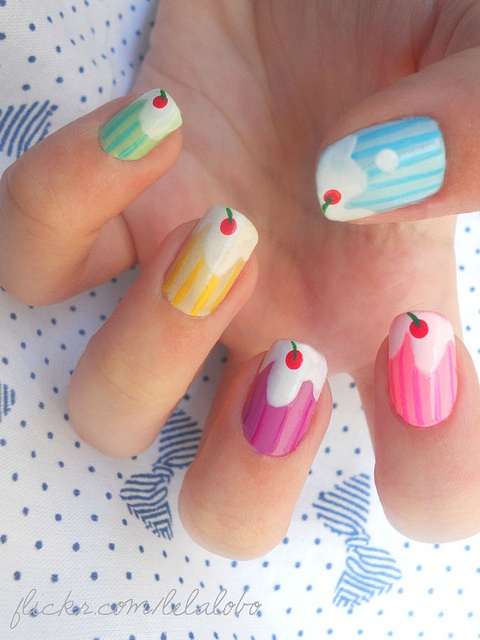 Like these nails and click here to get a #FREE #2013 #Calendar from #Chapman's #IceCream!   http://womenfreebies.ca/free-samples/chapmans-2013-calendar/