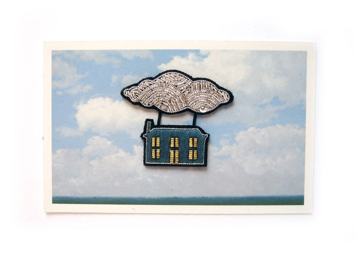 Collection de broches Magritte par Macon & Lesquoy et Arteum. Brooch collection inspired by Magritte by Macon and Arteum.