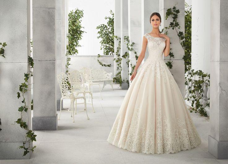 FELICITY Koronkowy tren, sukni ślubnej Madeline Gardner, w kształcie Princess Wytwory, koronkowy gorset, z dekoltem w kształcie łódki. Krótki rękaw. …