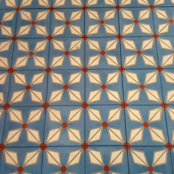 187 best sols en carreaux de ciment images on pinterest cement subway tiles and flooring tiles. Black Bedroom Furniture Sets. Home Design Ideas