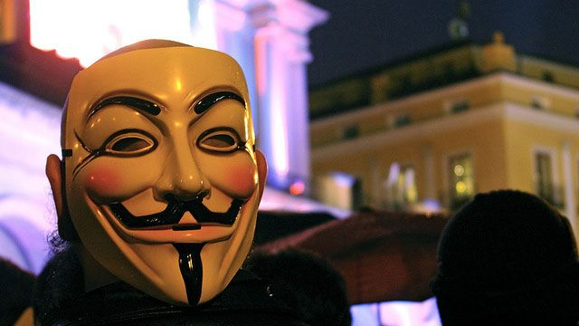 How to Create a Fake Identity and Stay Anonymous Online