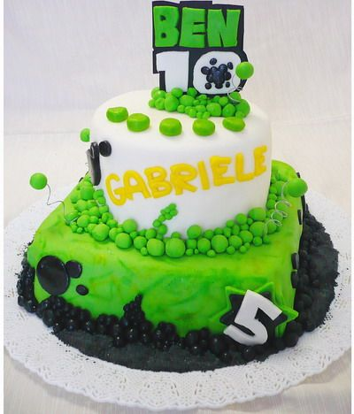 This unique two-tiered Ben 10 cake is really hard to forget.