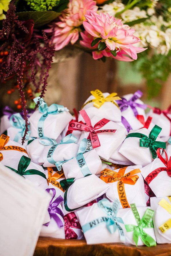 noivado-decoracao-bendita-festa-manioca-conceicao-bem-casados-16 http://www.constancezahn.com/decoracao-de-casamento-na-estacao-julio-prestes/