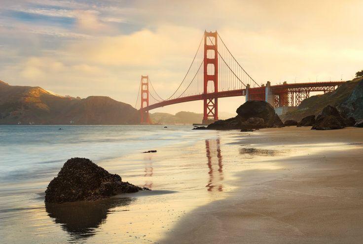 Fototapet Urban - Podul Golden Gate pentru decorare pereti, cu aplicare usoara si culori rezistente in timp. Comanda pe aa-design-interior.ro