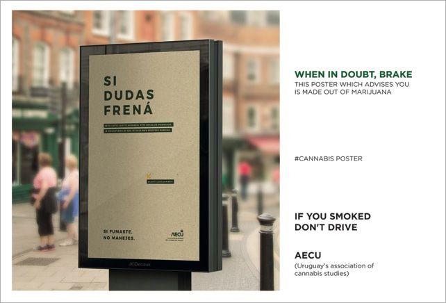 Cartazes feitos de folha de maconha estão em painéis rodoviários para alertar a população do Uruguai sobre os riscos de fumar e dirigir.