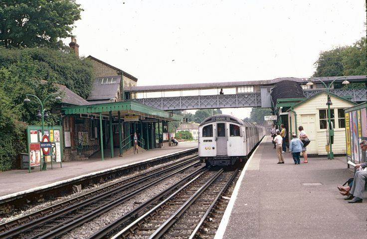 Northern Line station Finchley Central in 1981 | Flickr - Photo Sharing!