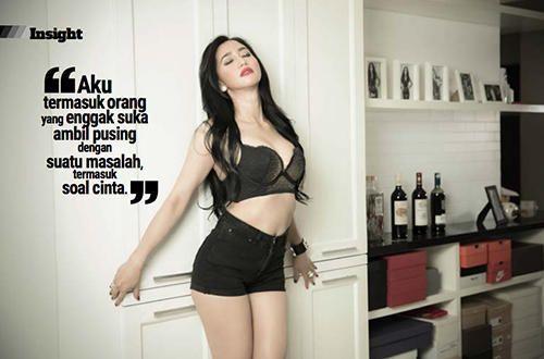 Foto Lita Keysha Luar Biasa Vulgar Dengan Lingerie Tipis