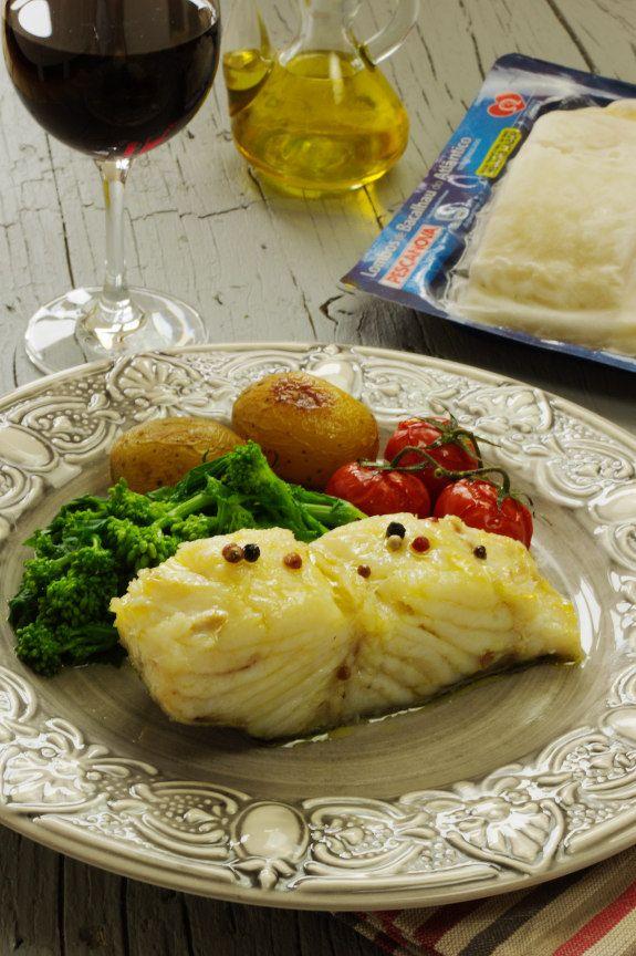 Cinco Quartos de Laranja: Bacalhau confitado com batatas assadas e grelos cozidos