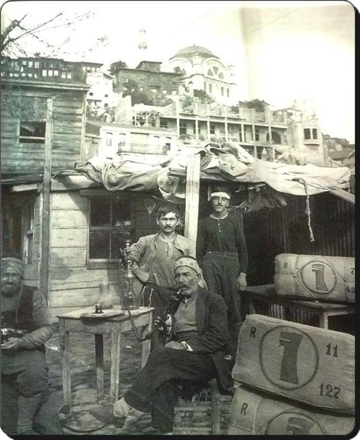 İstanbul Tütün işçileri - 1914-1918 Sonay Topal arşivinden... #istanlook
