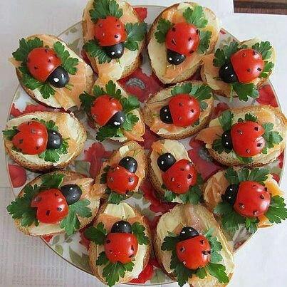 Bichillos de tomate.: Idea, Recipe, Cream Cheese, Food, Smoke Salmon, Ladybugs, Cherries Tomatoes, Lady Bugs, Olives