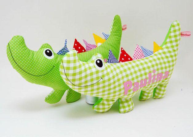 Kuscheltiere - Kuscheltierkissen Krokodil mit Namen - ein Designerstück von josefines-kinder bei DaWanda