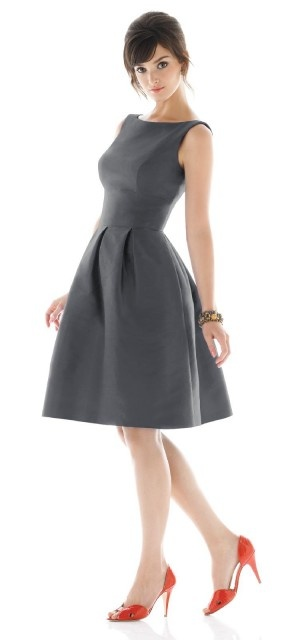 I live how this dress has a fuller skirt, but still maintains a classic business feel.