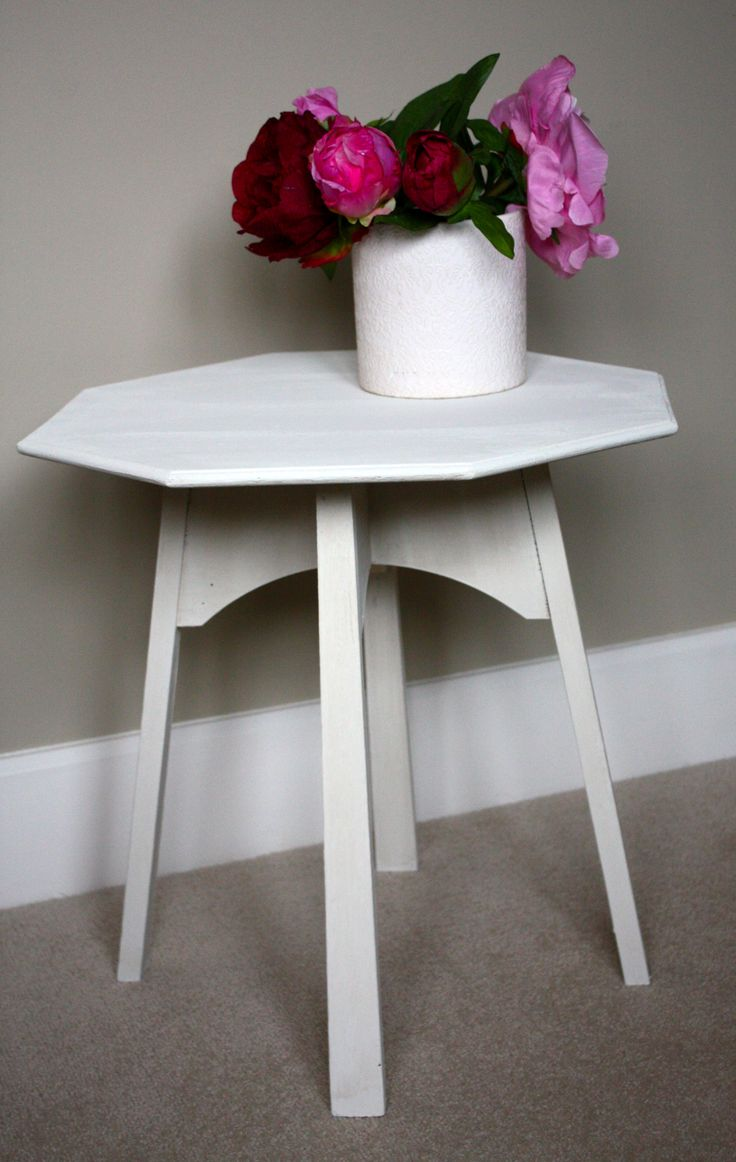 Simple table painted Annie Sloan old white