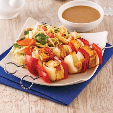 Brochettes de tofu, sauce satay - Soupers de semaine - Recettes 5-15 - Recettes express 5/15 - Pratico Pratique