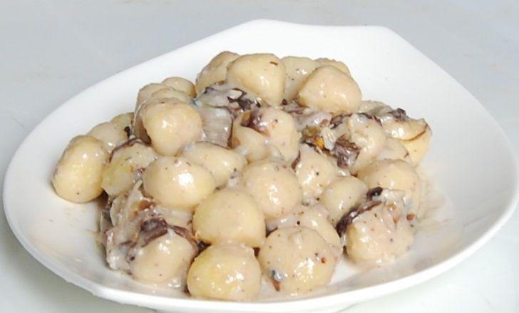 Gnocchetti gorgonzola, noci e radicchio