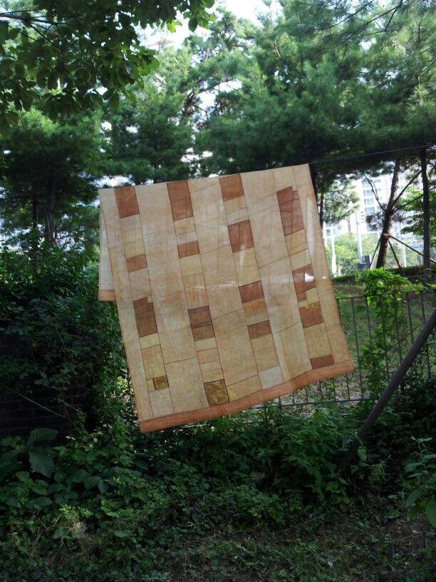모시(mosi) 발 2007년 염색:감물 크기:120×160cm 제작:손바느질(감침질,홑보)