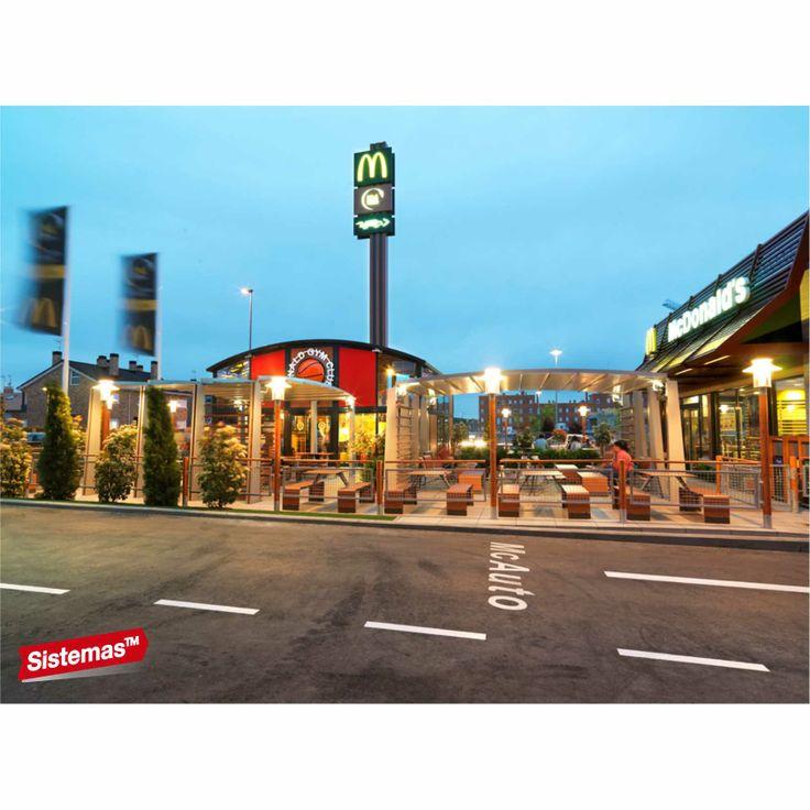 Restaurantes McDonald's España, #Valdemoro obra realizada por Sistemas TM   #Facades #Signs #Fachadas #Rotulos #Totem