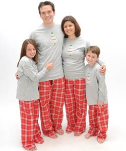 Site for matching PJs for the whole family - I want to do this for every Christmas eve so that everyone will match for Christmas morning pictures :)    LOVE THIS idea!!!