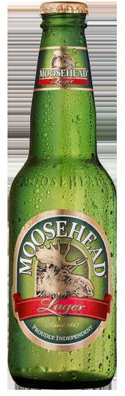 Cerveja Moosehead Lager, estilo Lite American Lager, produzida por Moosehead Breweries, Canadá. 5.2% ABV de álcool.