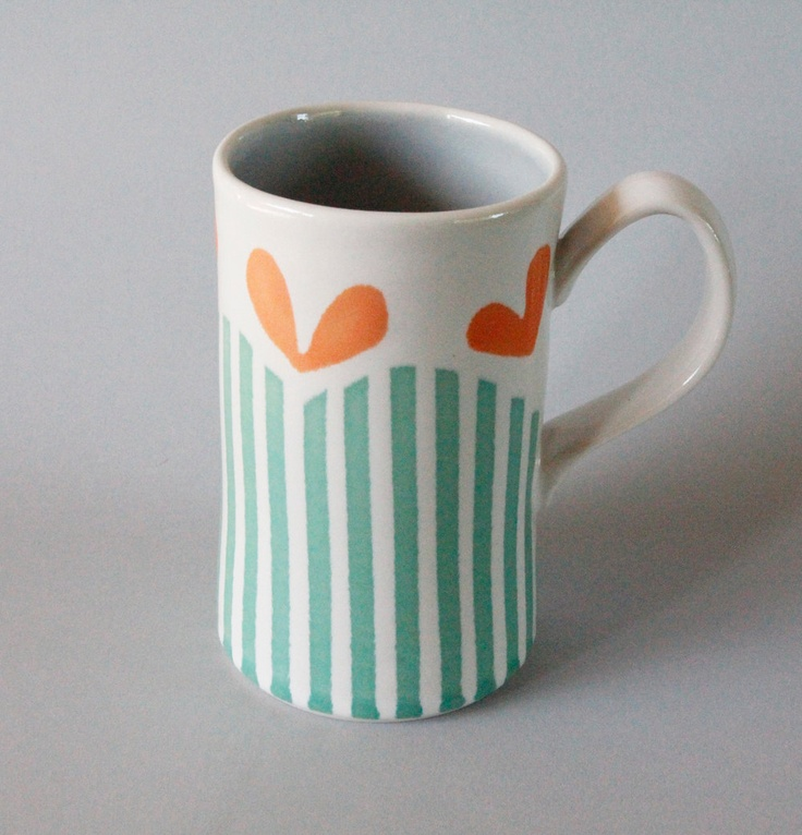 Scalloped Stripe Mug in Green by dahlhaus on Etsy I want to do this at a pottery place @Katie Hrubec Hrubec DeFrisco