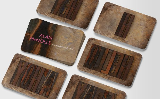 Use this wooden letterpress design – made by hand, worn by use, but still sharp – to demonstrate that skill set to your clients #moocard #businesscard
