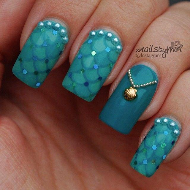 Instagram photo by xnailsbymiri #nail #nails #nailart. Quilted nails / nail art, seashell charm