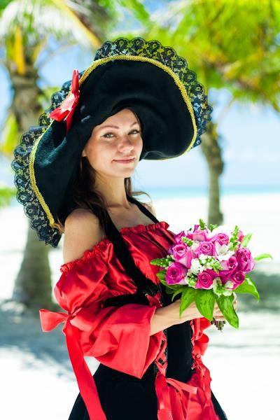 Пиратские костюмы невест