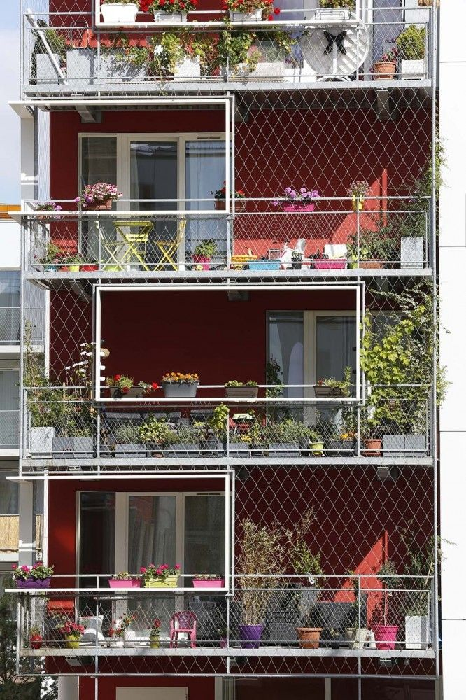Architects: PHILIPPON – KALT Architects Location: 7 Quai Châtelier, 93450 L'Île-Saint-Denis, France Area: 11100.0 sqm Year: 2014 Photographs: Hervé Abbadie, Courtesy of PHILIPPON – KALT Architects Social Housing: CAPS Thermal Engineering Consultant: ALTO Engineering Consultan: LGX Client: ICADE Cost: 16,5 M€ HT