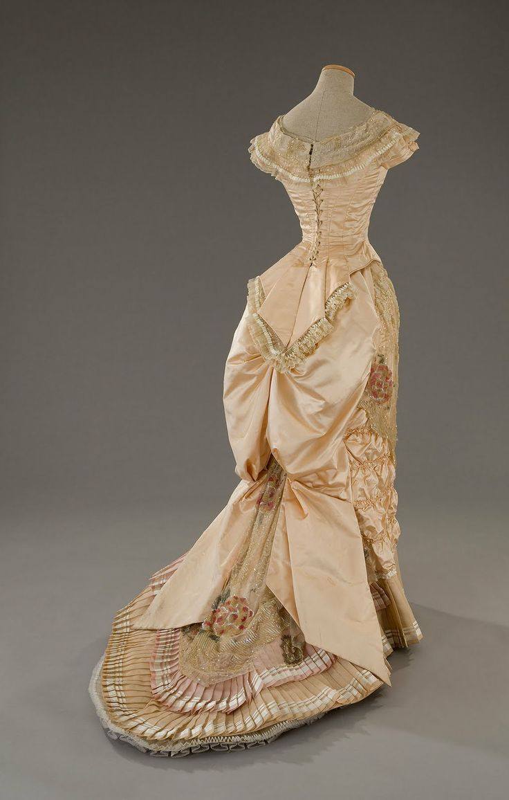 best gowns images on pinterest victorian vintage fashion and