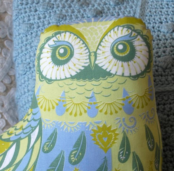 Oswald the Owl Tea Towel / Cloth Kit - A silkscreen design by Sarah Young. $15.50, via Etsy.